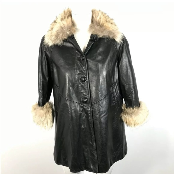 Vintage Danier Canada Youth Leather Jacket Fur